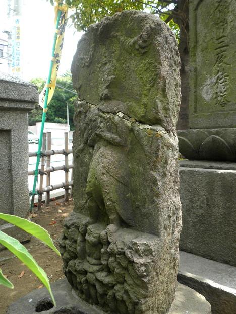 高千穂稲荷神社(狛江_田中橋交差点)-04庚申塔