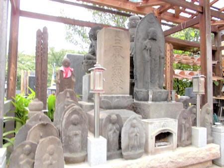 密蔵院-06墓地a三界無縁塔etc.