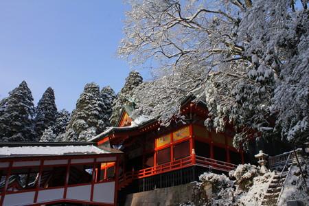 冬の霧島神宮・拝殿