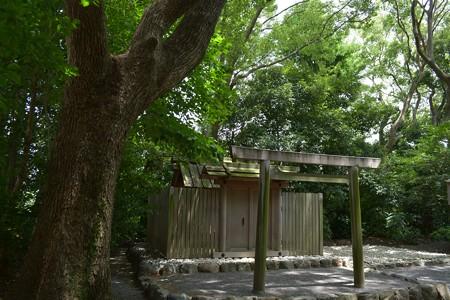 草奈伎神社1