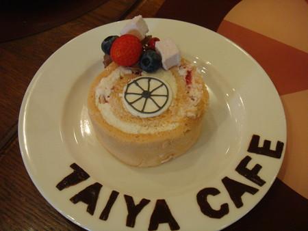 よくばりロール いちご@TAIYA CAFE