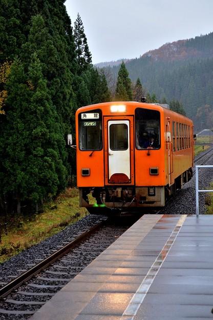 雨の阿仁マタギ駅