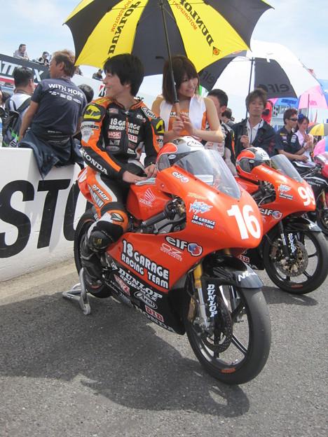 写真: 211  16 亀井 雄大 18 GARAGE RACING TEAM NSF250R 2012