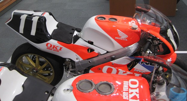 Photos: 117_02_1991_rvf750_11_2012_motogp_moteg
