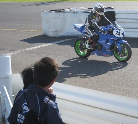 590 2012 74 澤村 俊紀 レーシングチーム ヒロ CBR600RR