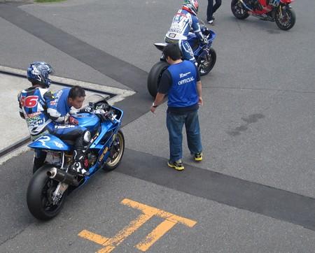 19 2013 J_GP2 12 中本 郡 レーシングチーム OutRun YZF-R6