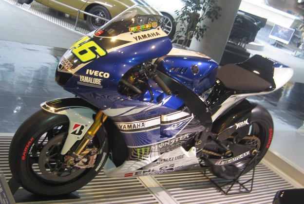01 2013 YAMAHA YZR-M1 46 Valentino Rossi