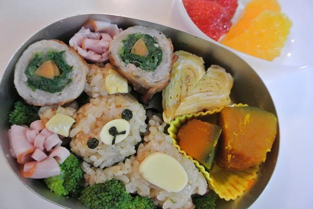 写真: お昼寝リラックマおにぎり弁当