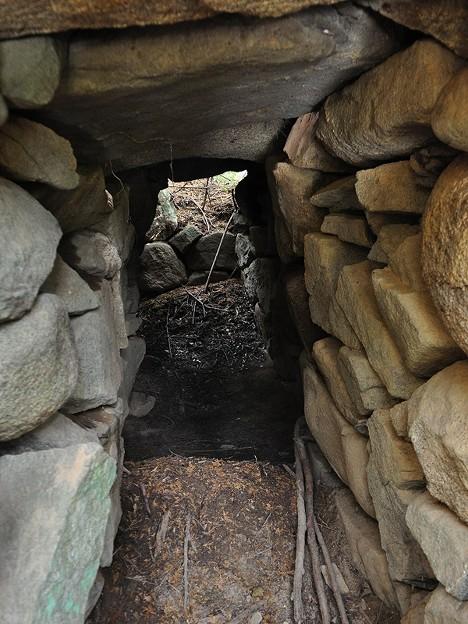 写真: 芝生古墳羨道