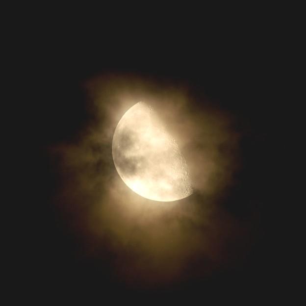 月のフラストレーション!?