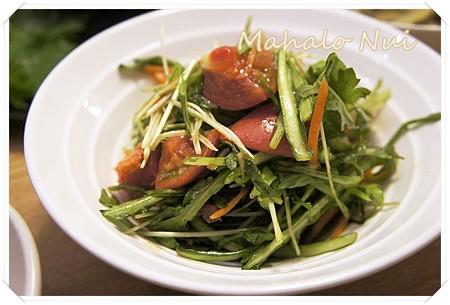 菊菜・トマト・人参のベーコンドレッシングサラダ