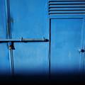 青いガレージ