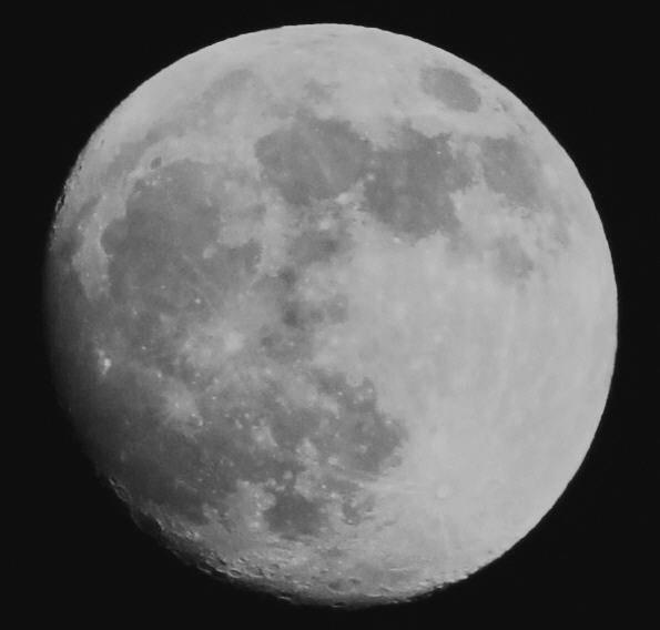 小望月 モノクロ  05:23