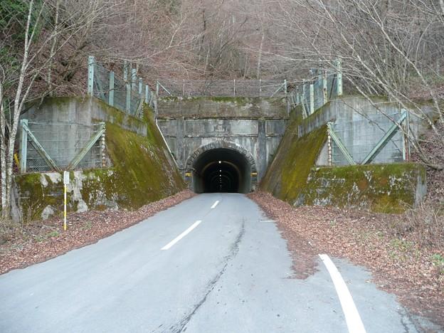 旧御坂隧道北口