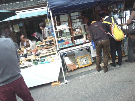 SH3I0531 地元の工房や若いアーティストのお店が出店