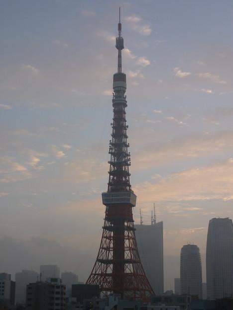 Photos: 霧がかる明け方