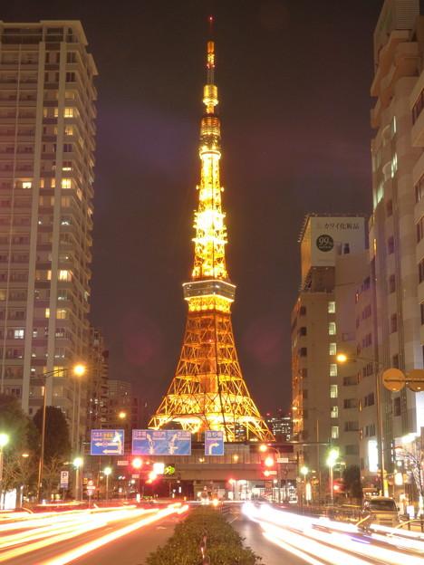 夜の桜田通り