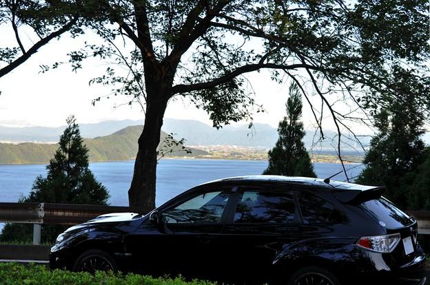 北湖と黒い愛車