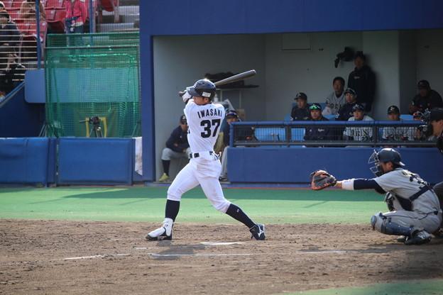 #37 岩崎 恭平内野手