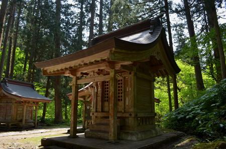 出羽神社・磐裂神社
