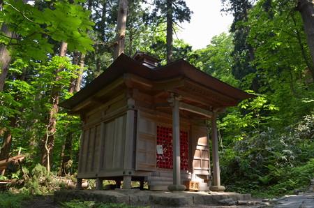出羽神社・埴山姫神社