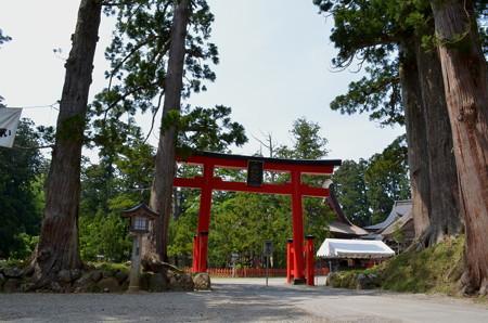 出羽神社・鳥居