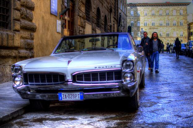 フィレンツェで見かけたアメ車