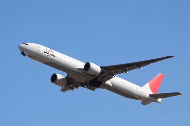 Japan Airlines Boeing 777-346/ER