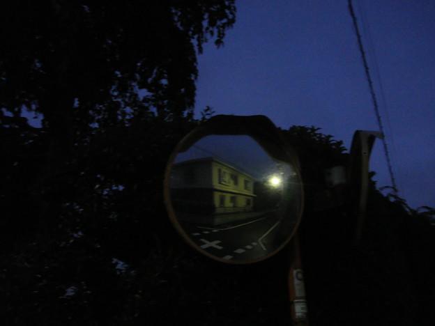 住宅街 am4:00 (東京都三鷹市下連雀)