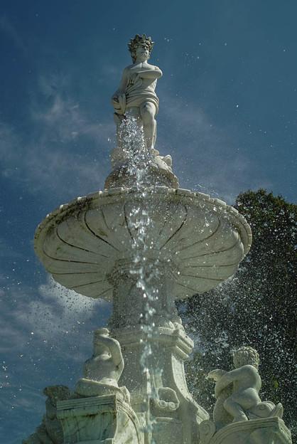 白い噴水3