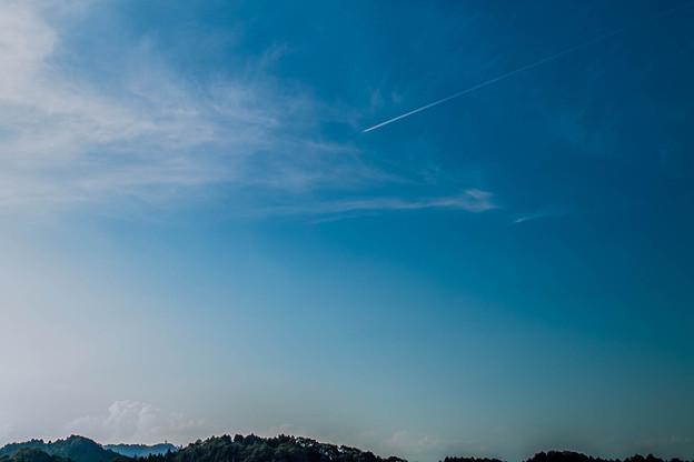 Photos: 九月の空と飛行機雲