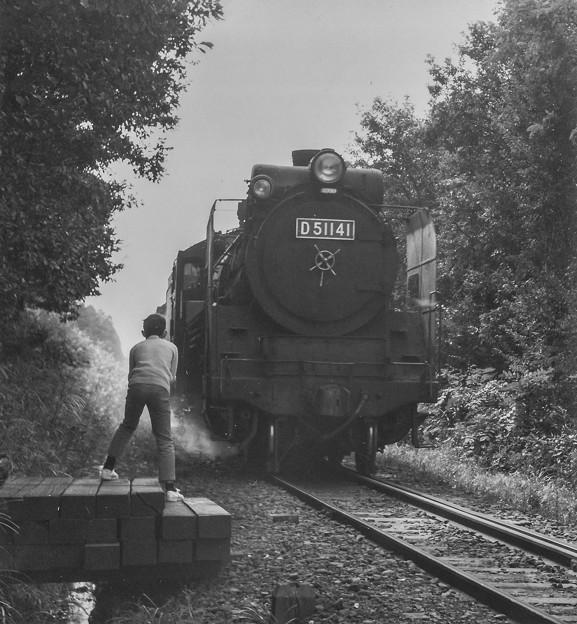 Photos: なんて至近距離からD51を撮ってるんだ!@昭和40年代前半の思い出