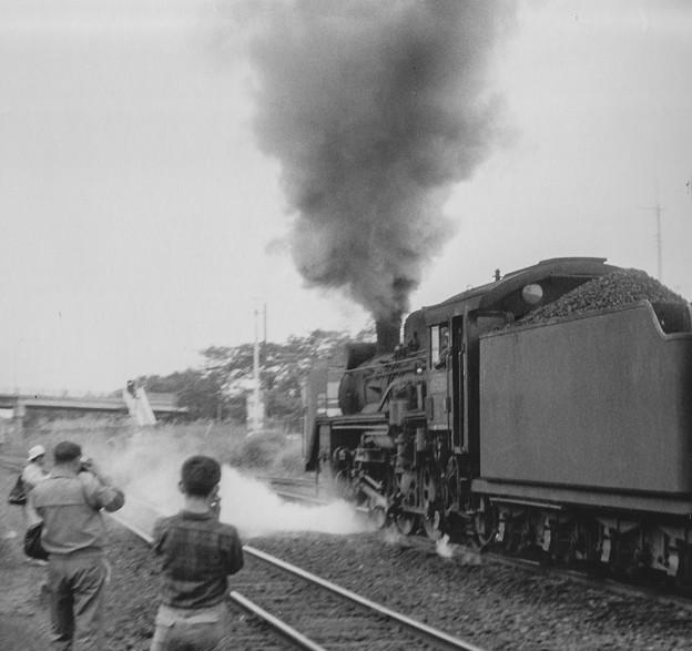 Photos: 昭和40年代初頭の撮り鉄の人々