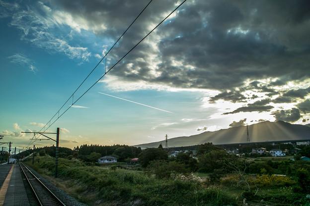 Photos: Sky,Clouds,Mountain,Sunshine & Railway