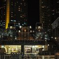 写真: 都会の夜は美しい