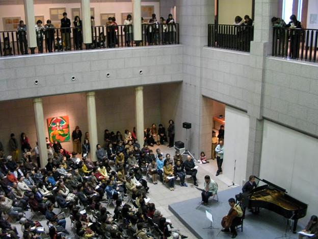 美術館で弾くのは好きです。