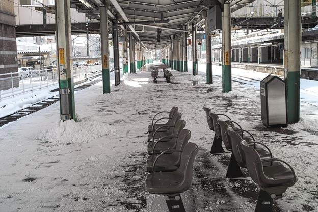 新潟長岡のホームは雪まみれ
