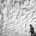 うろこ雲を従える観音様2