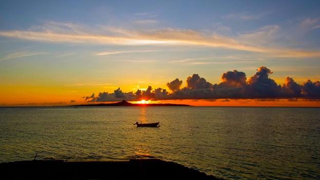 沖縄、伊江島の夕暮れ