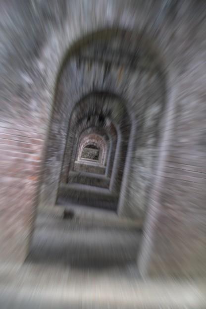 京都南禅寺、水路閣を飛ぶ(爆)@水路閣11