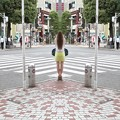 Photos: 街を鏡像にする女神