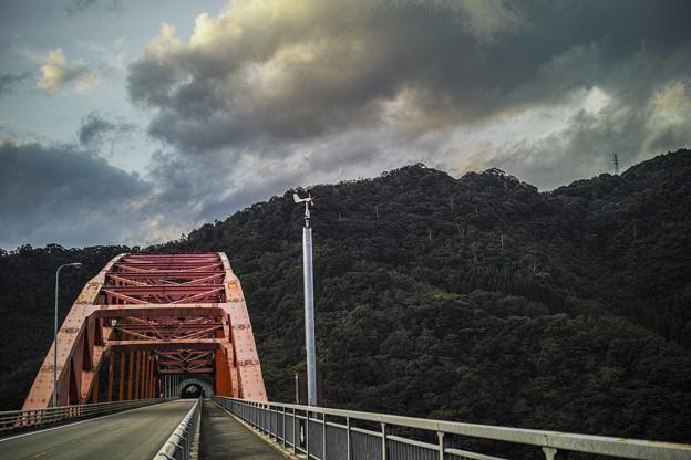 Photos: 干支大橋4@宮崎の延岡から高千穂に通じる一本道にて