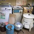 Photos: 昔の洗濯機は脱水をロールでやってたんだぞ@高山昭和館-10