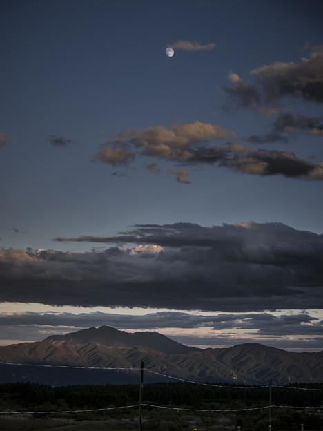 Photos: 山、月、雲、空