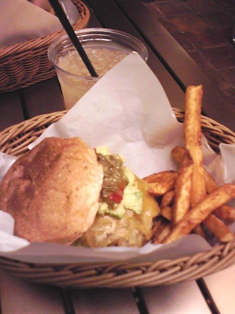 Photos: ハンバーガーショップに連れていってもらいました。