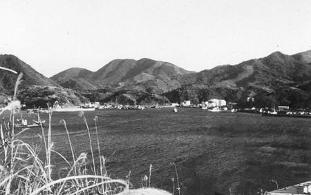 1963 e 土々呂湾