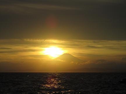 江の島からのダイヤモンド富士