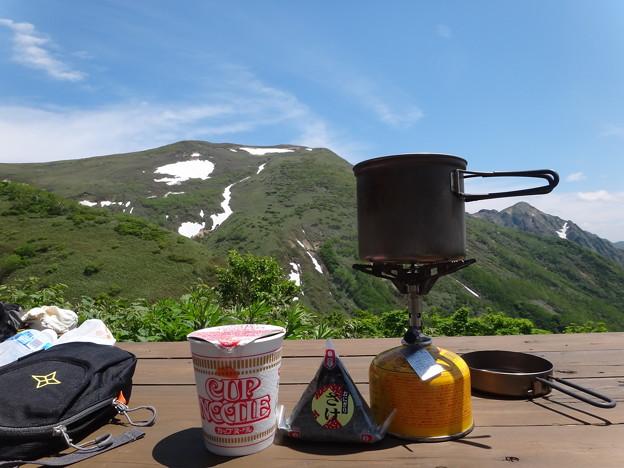 平標山の家での昼食