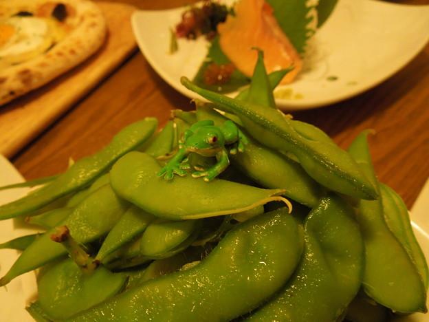 Photos: 枝豆と?