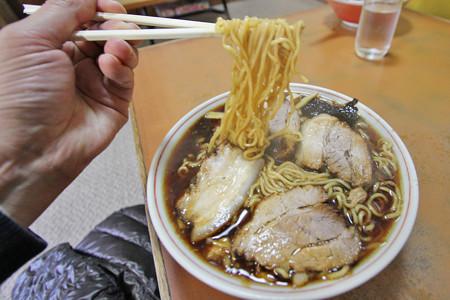 20121203_梅乃家[竹岡ラーメン] 麺はなんと「乾麺」!!